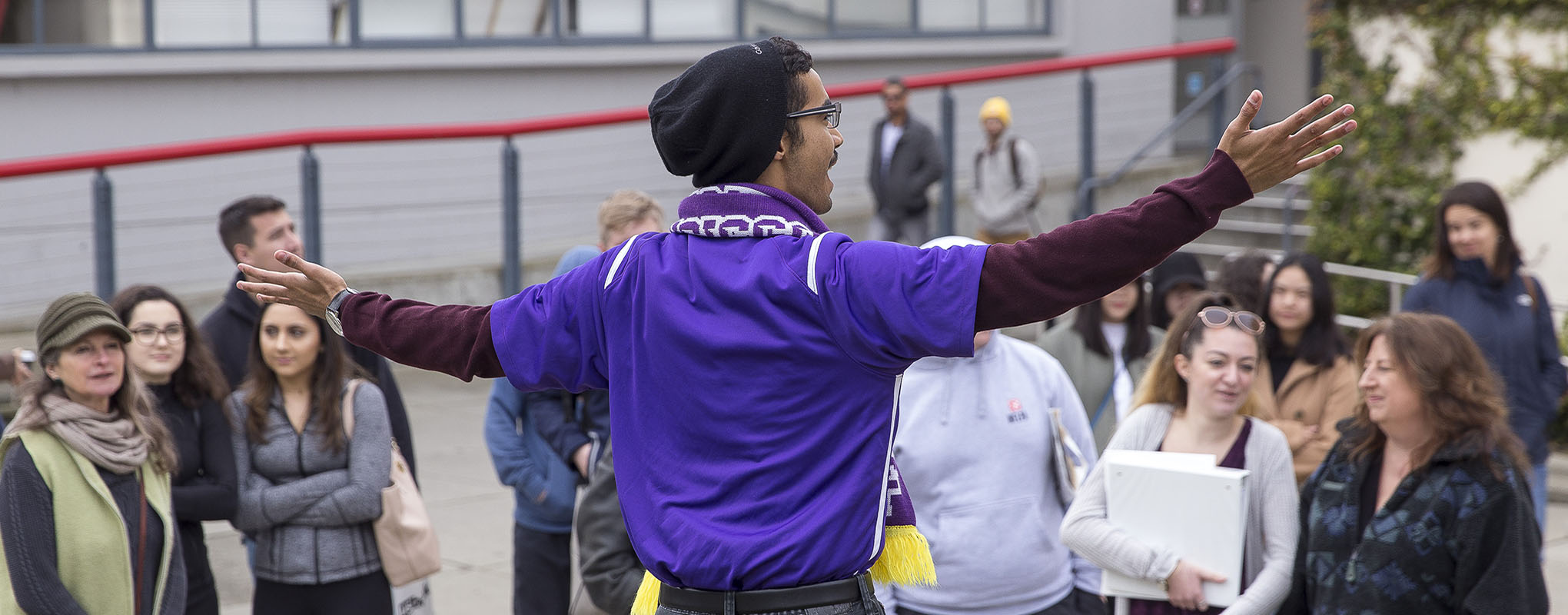 SFSU student leading prospective students on a tour